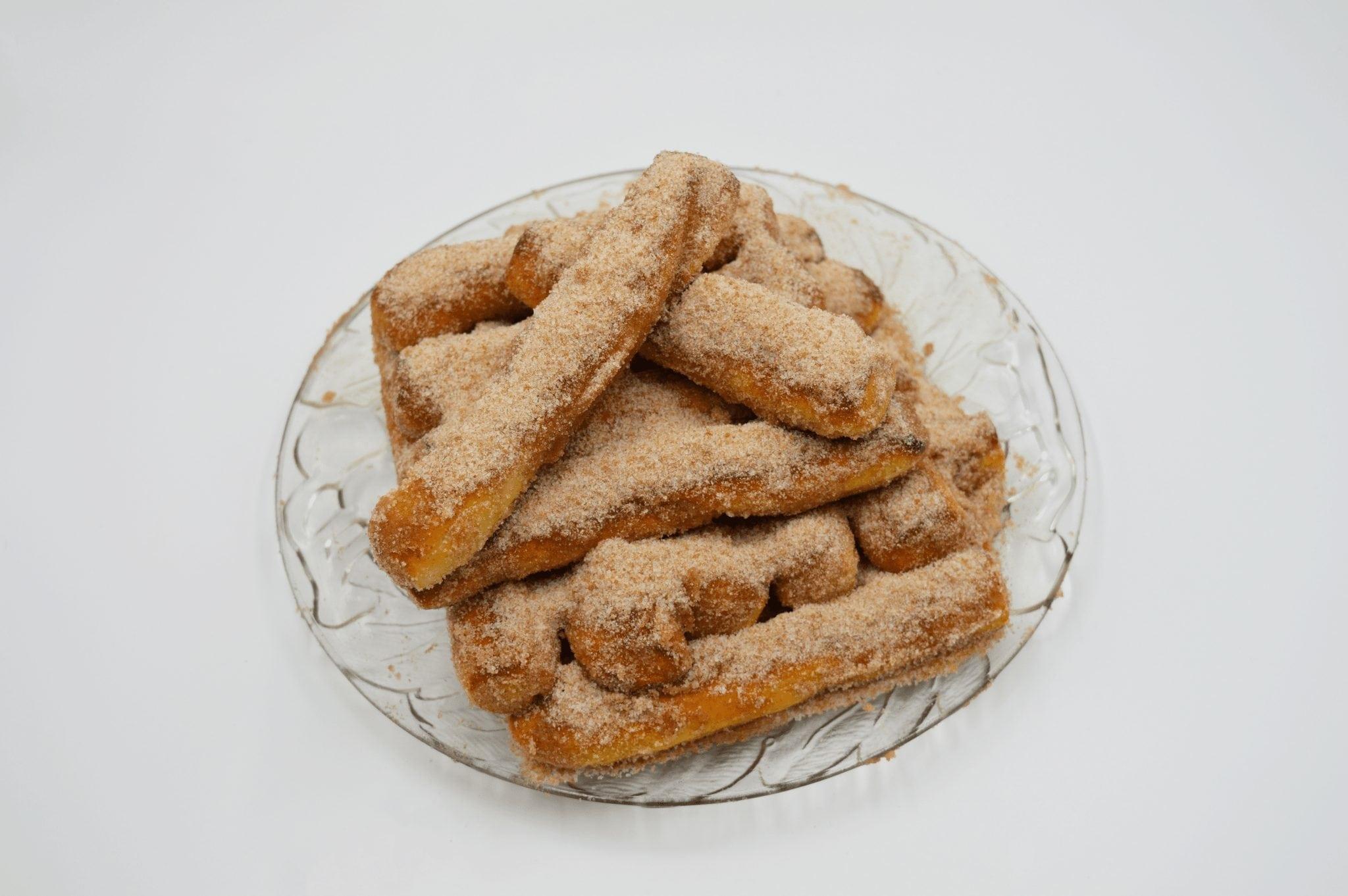 cinnamon pretzel sticks